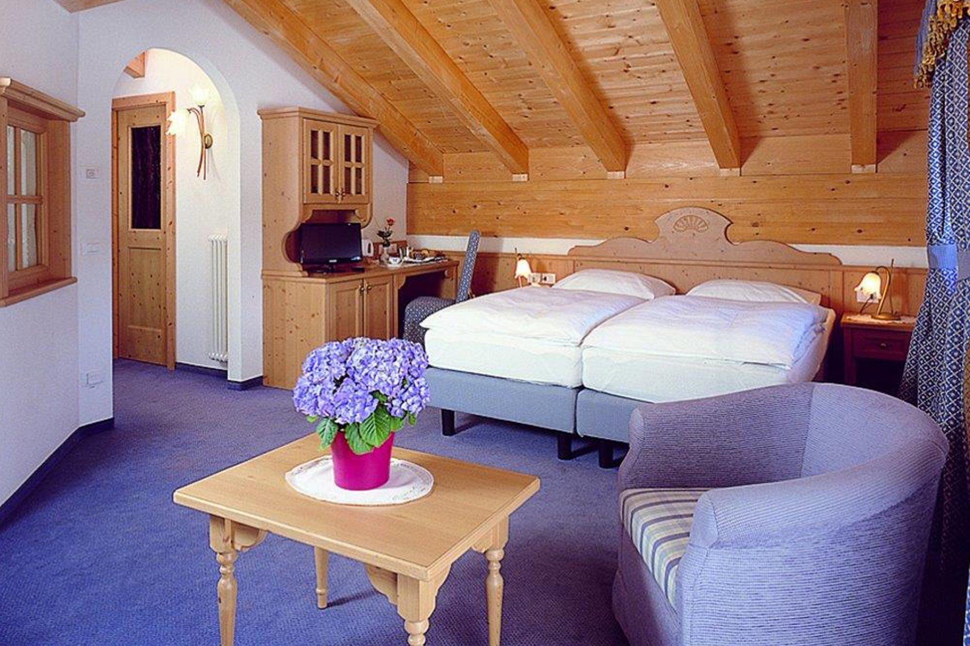 Comfort Rooms
